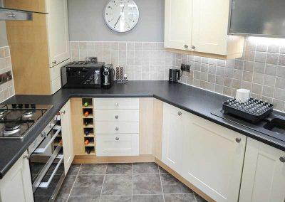 Stirling Luxury Apartment - Kitchen