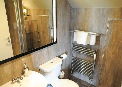 Stirling Luxury Apartment - Bathroom