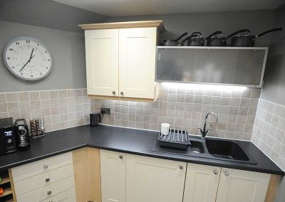Stirling Luxury Apartment - Kitchen