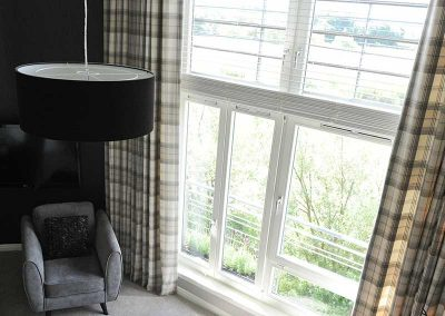 Stirling Luxury Apartment - High Living Room Window