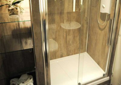 Stirling Luxury Apartment - Shower Room
